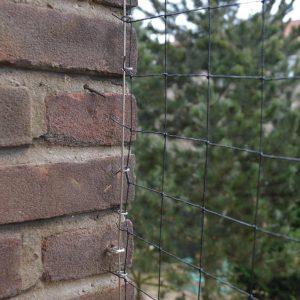vogelnet plaatsen op balkon tegen duiven
